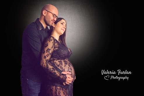 Photo de grossesse en studio en couple