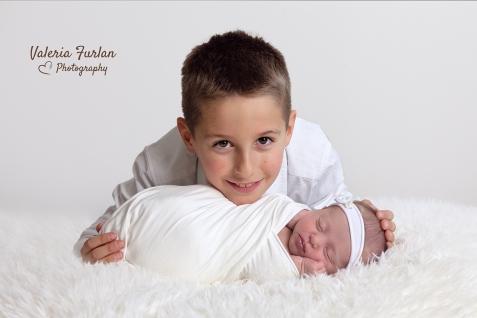Photo de bebe et grand frere