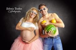 Photo de grossesse en couple en studio